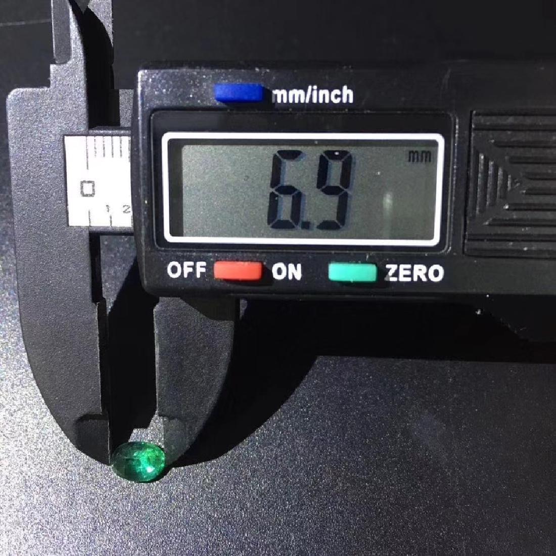 0.94 ct Emerald 5.0*6.9*3.7 mm Oval Cut - 6