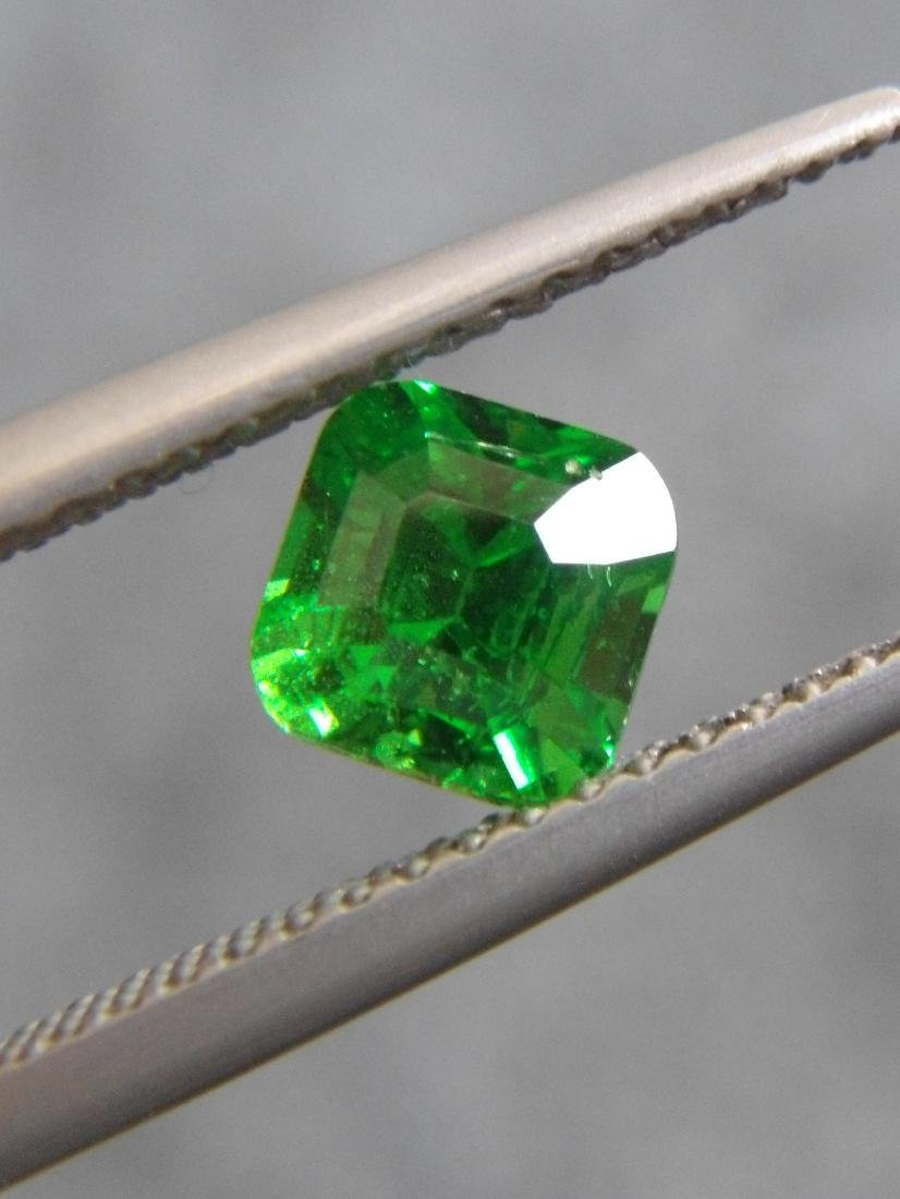 Tsavorite Green Garnet Certified - 1.09 ct - 2