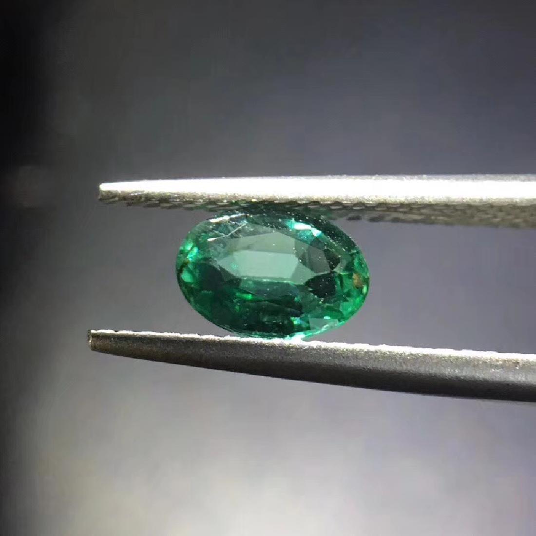 0.73 ct Emerald 5.0*7.0*2.9 mm Oval Cut