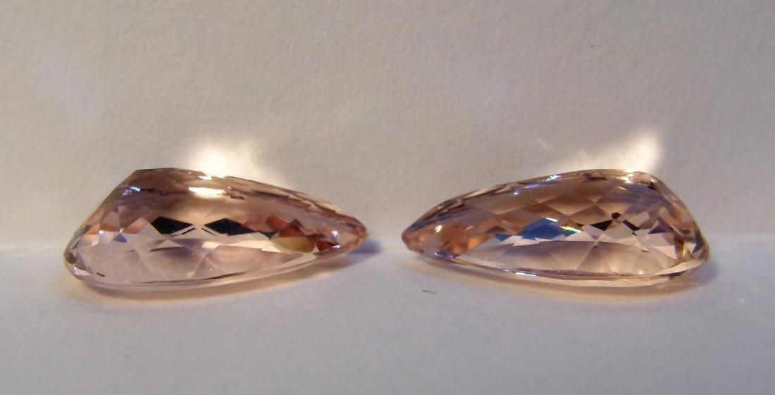 Morganite pair - 5.28 ct - 3