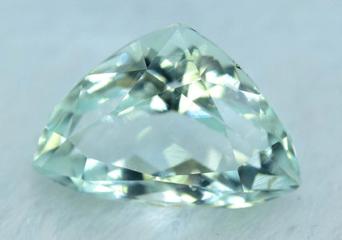5.65 cts Untreated Aquamarine Gemstone from Pakistan - 4