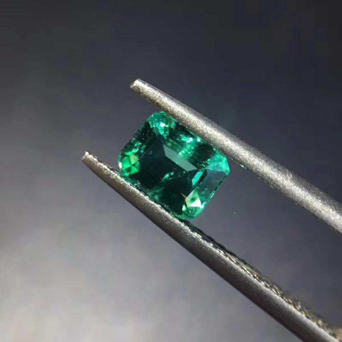 0.74 ct Emerald 5.8*4.5*3.4 mm square Cut - 2