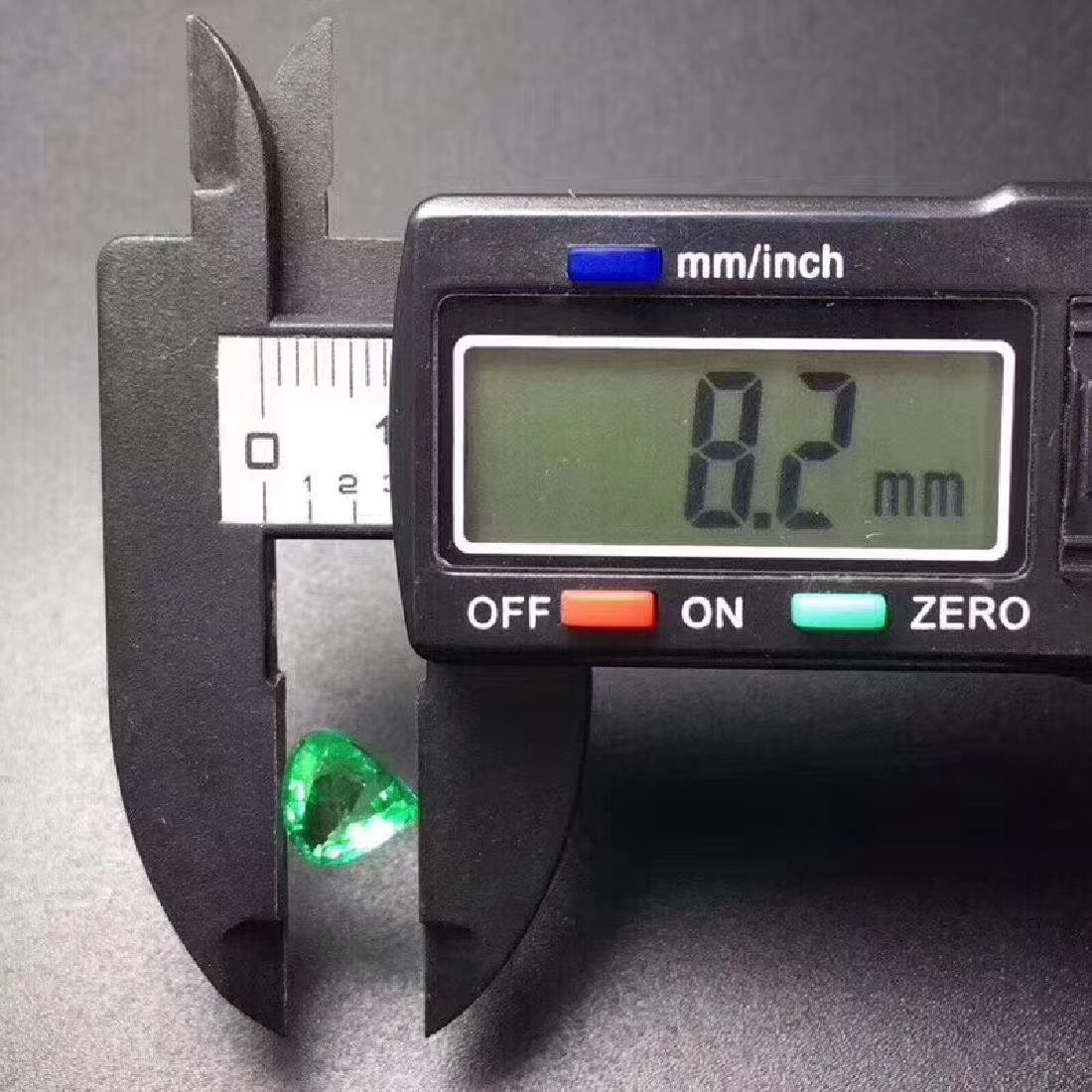 1.84ct Emerald 8.2*4.8 mm Heart Cut - 5