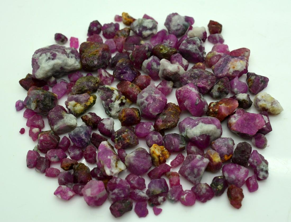 515 Carats Natural Ruby Specimens Rough Lot