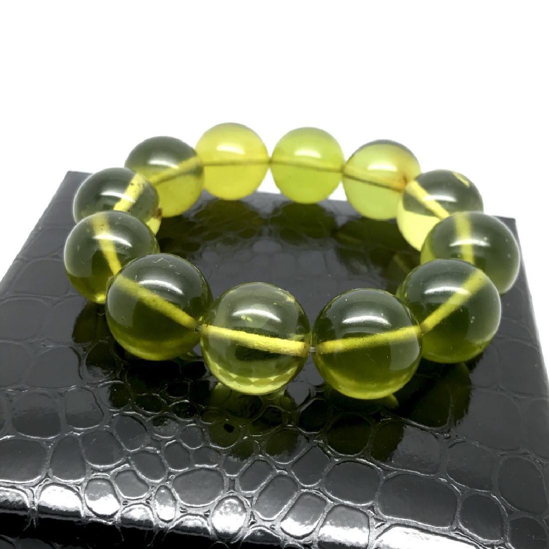 Cut green amber beads bracelet 24.6 gr - 2