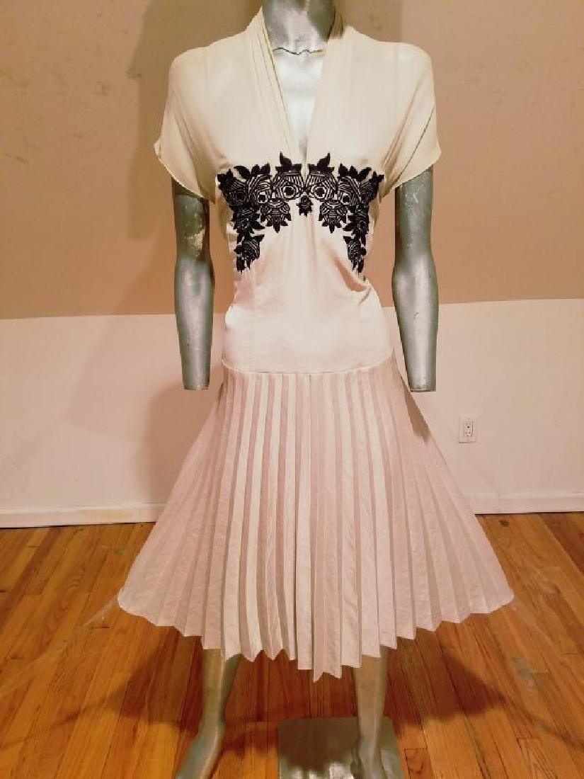 Vtg Beige Floral embroidered satin pleated dress - 6
