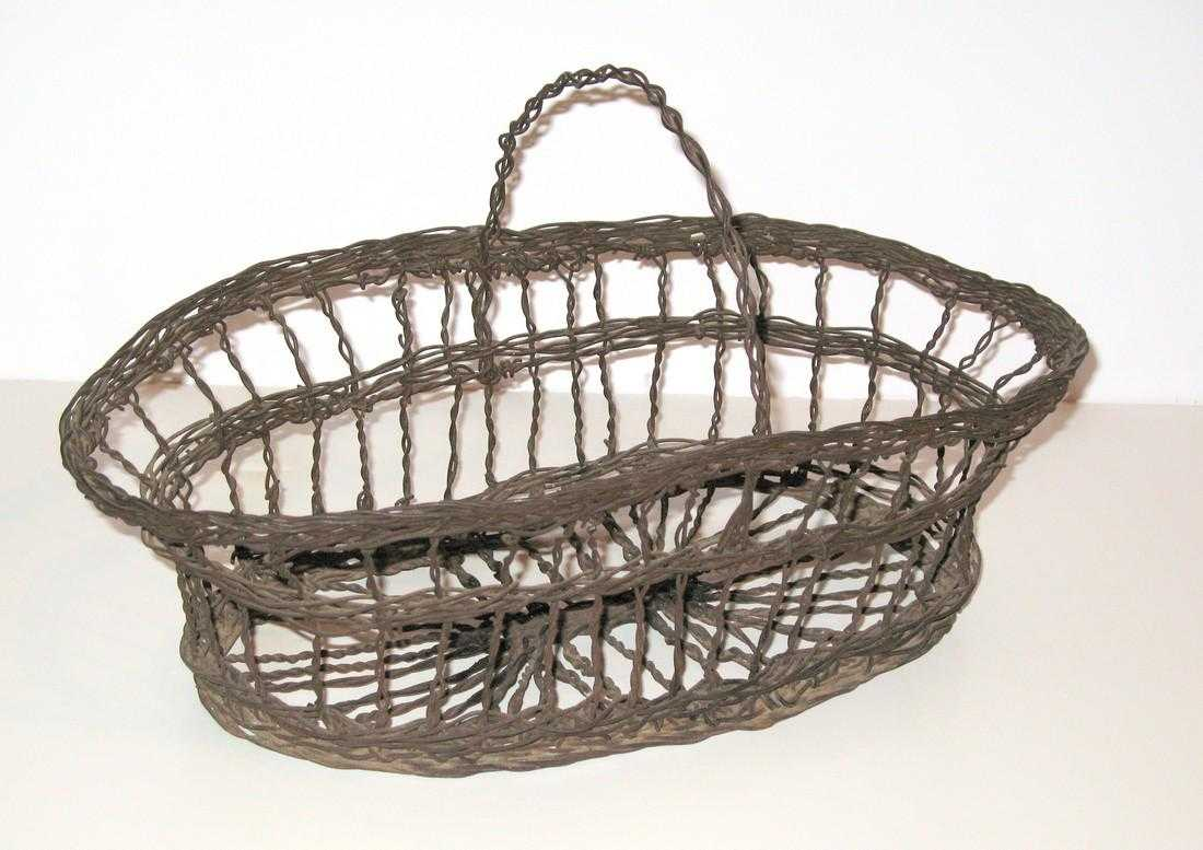 Vintage Oval Wire Basket