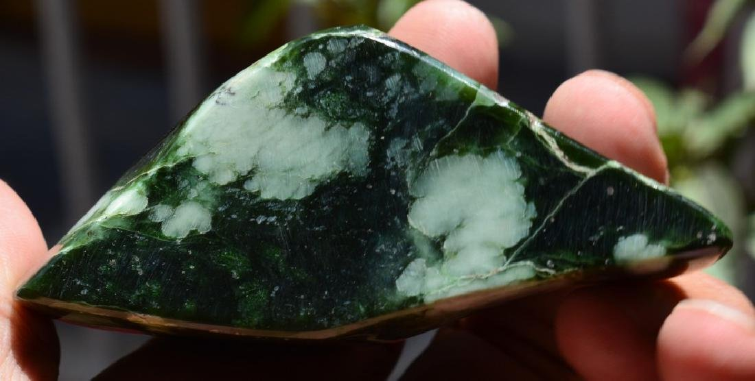 Best Quality Green Nephrite Tumble - 2