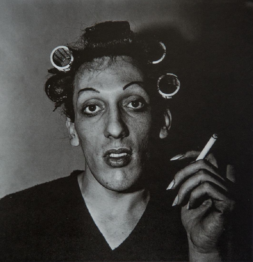 DIANE ARBUS - A Young Man In Curlers at Home, 1966