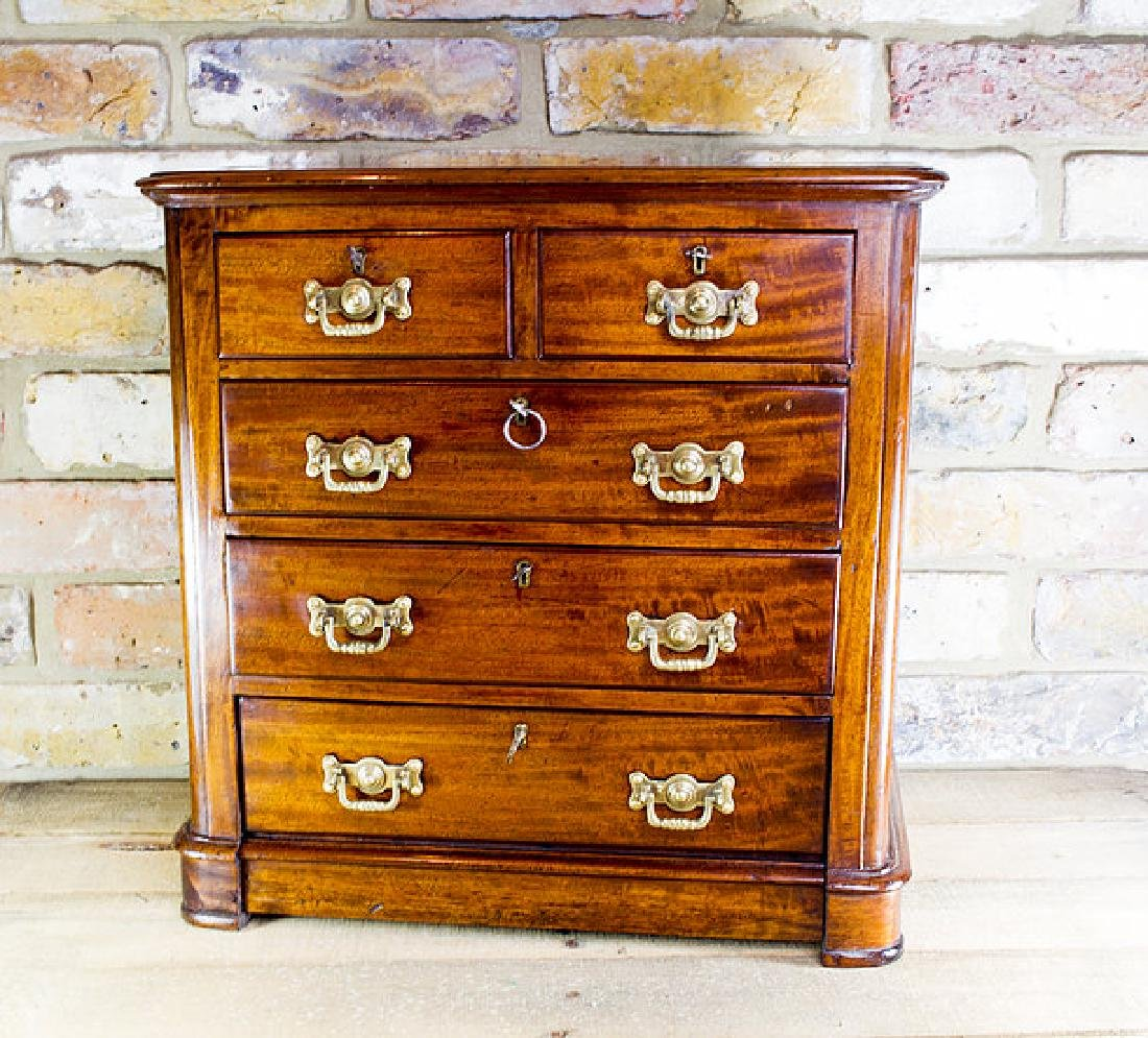 Mahogany Chest of Drawers c.1890