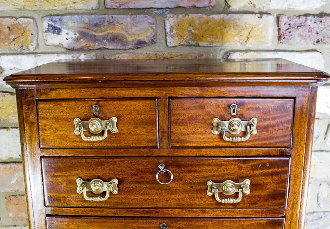 Mahogany Chest of Drawers c.1890 - 5