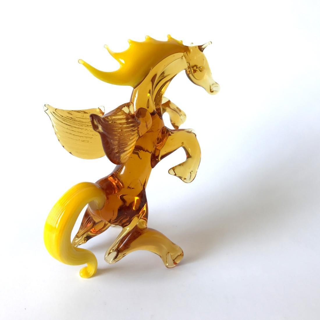 Figurine of Pegasus the winged horse amber coloured - 2