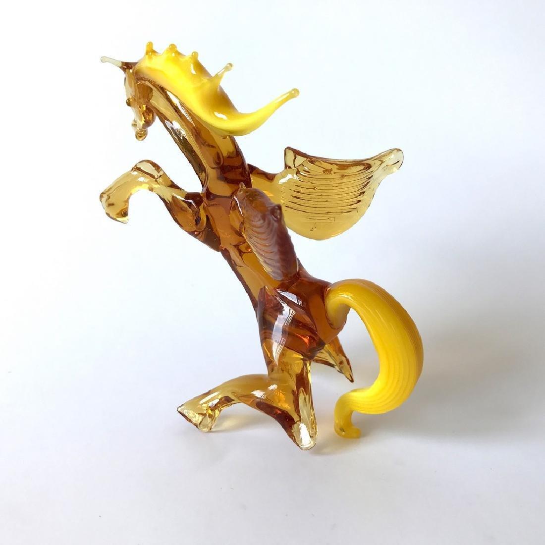 Figurine of Pegasus the winged horse amber coloured - 3