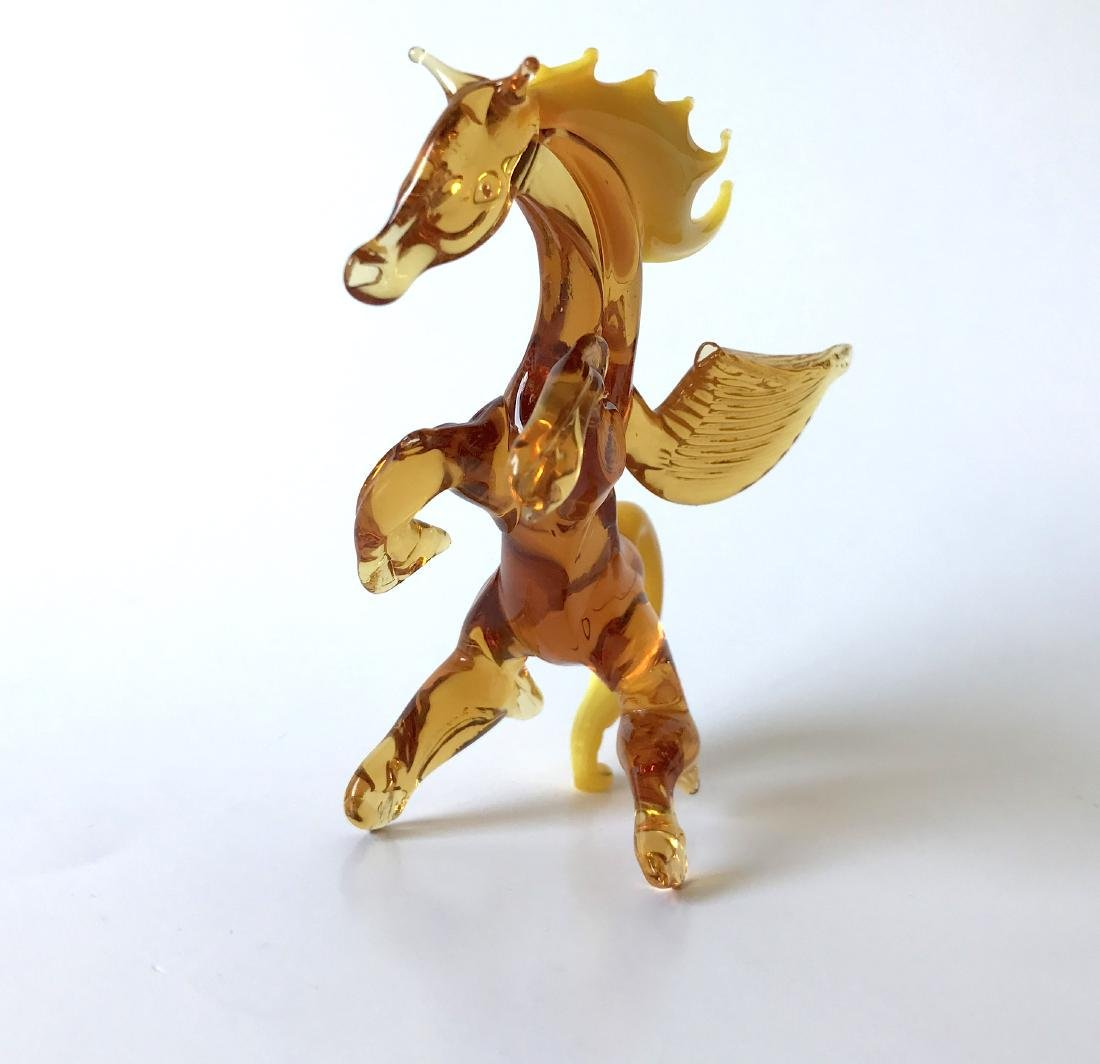 Figurine of Pegasus the winged horse amber coloured - 5