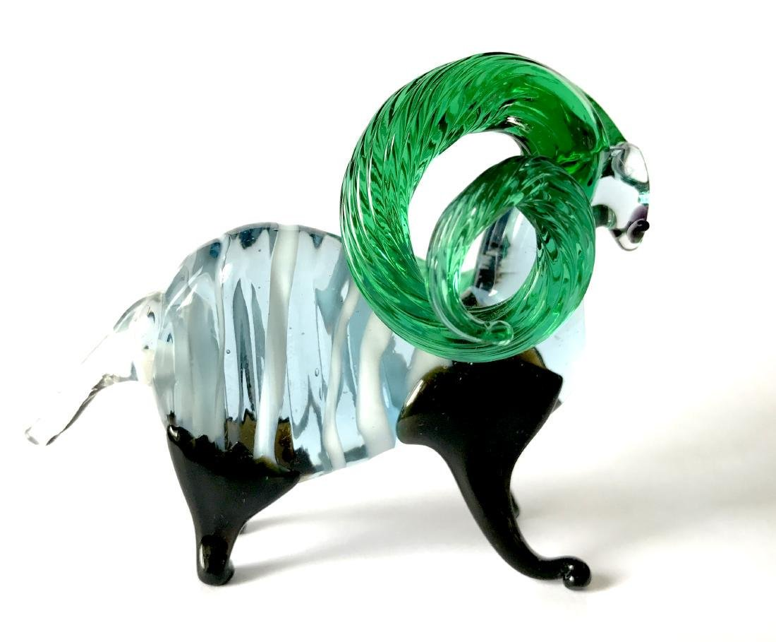 figurine of wether with emerald horns hand blown glass - 4