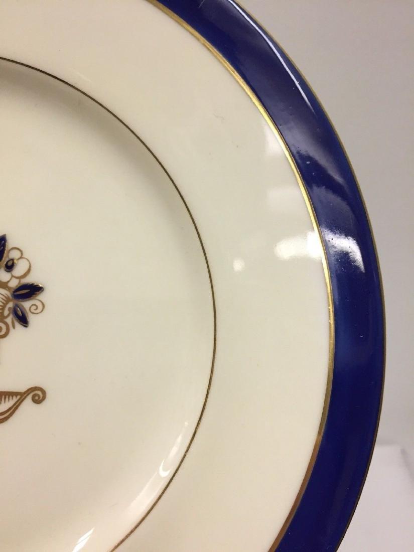 Set of 12 Antique English Porcelain Lunch Plates, 1900 - 3