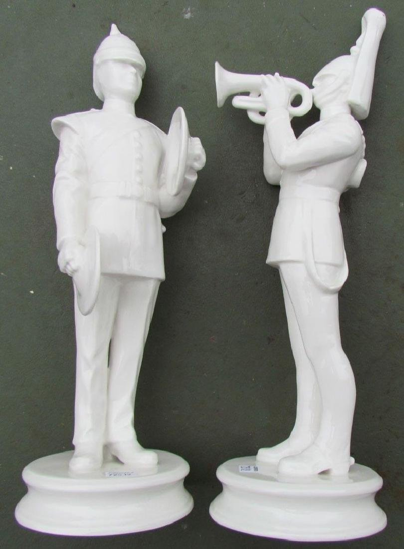 PAIR OF VINTAGE PORCELAIN FIGURINES - MILITARY