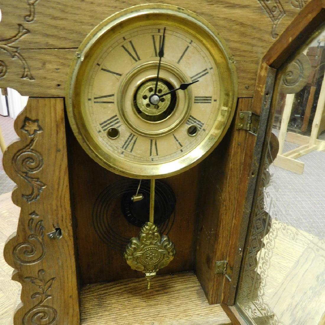 Antique Parlor Kitchen clock -Working . - 2