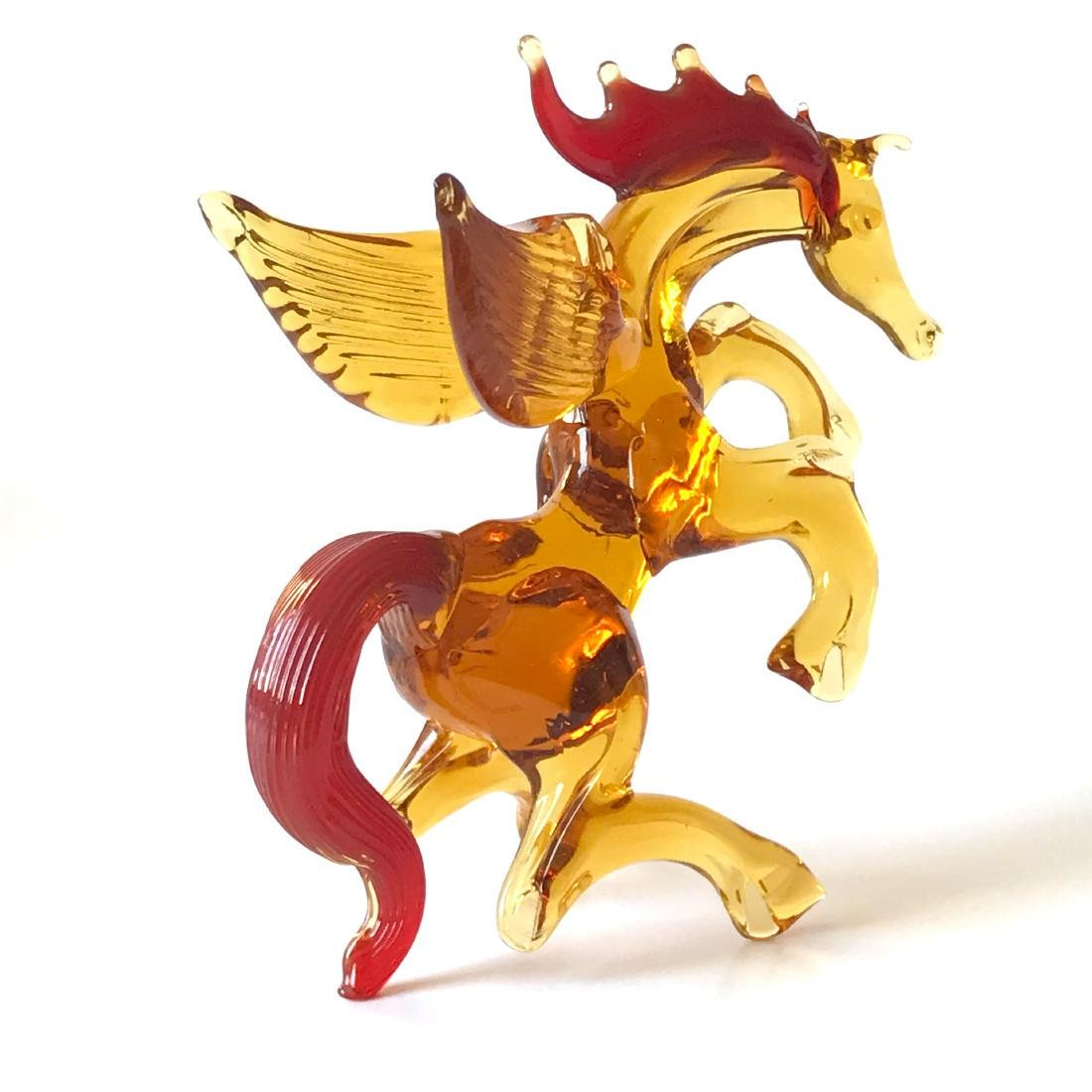 Figurine of Pegasus the winged horse amber coloured - 3