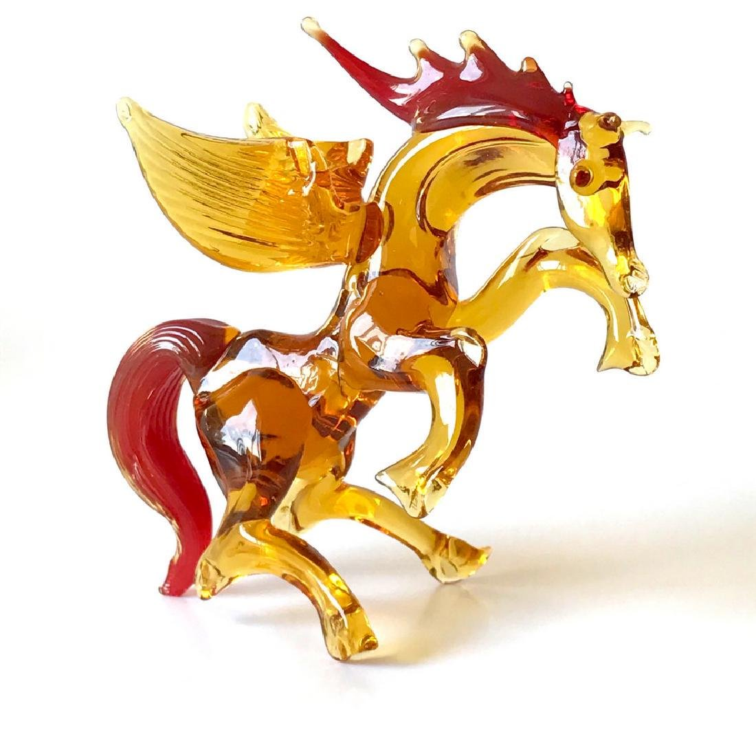 Figurine of Pegasus the winged horse amber coloured - 4