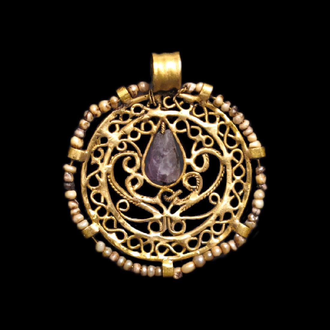 Byzantine Amethyst, Pearls and Gold Pendant, c. 8th - - 2