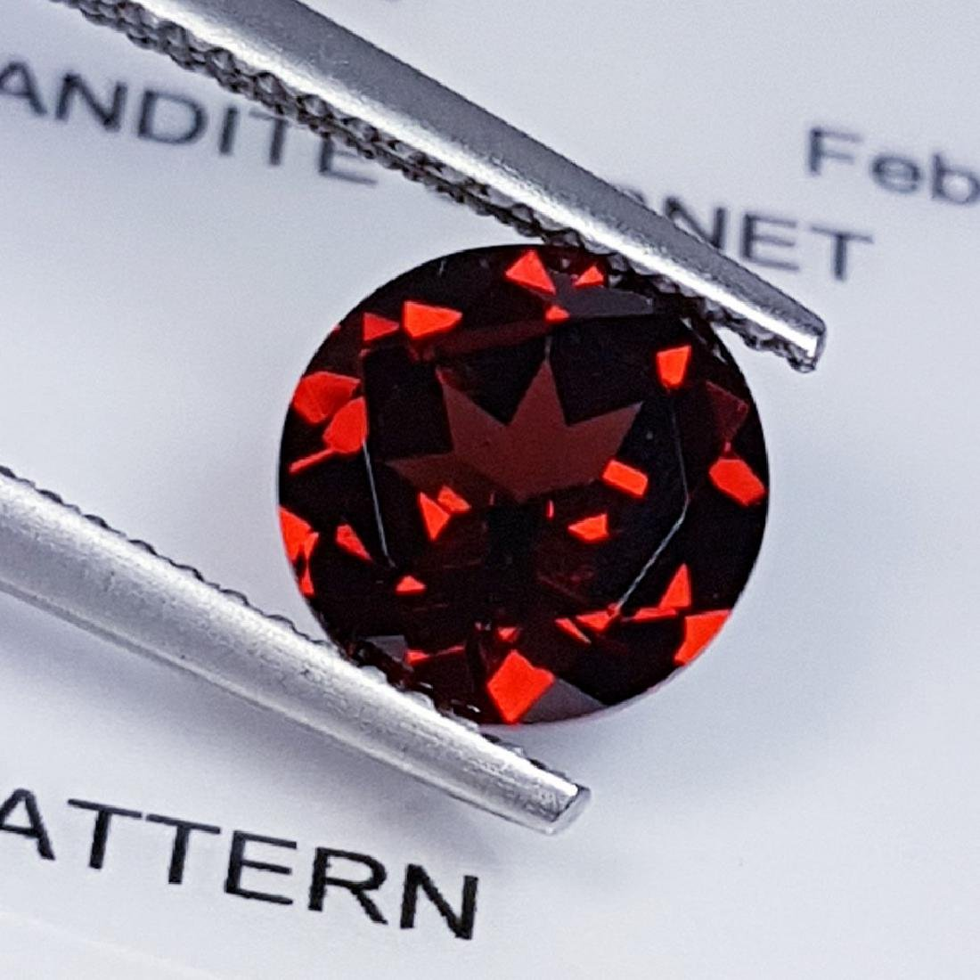 Pyrope - Almandite Red Garnet - 2.28 ct - 2