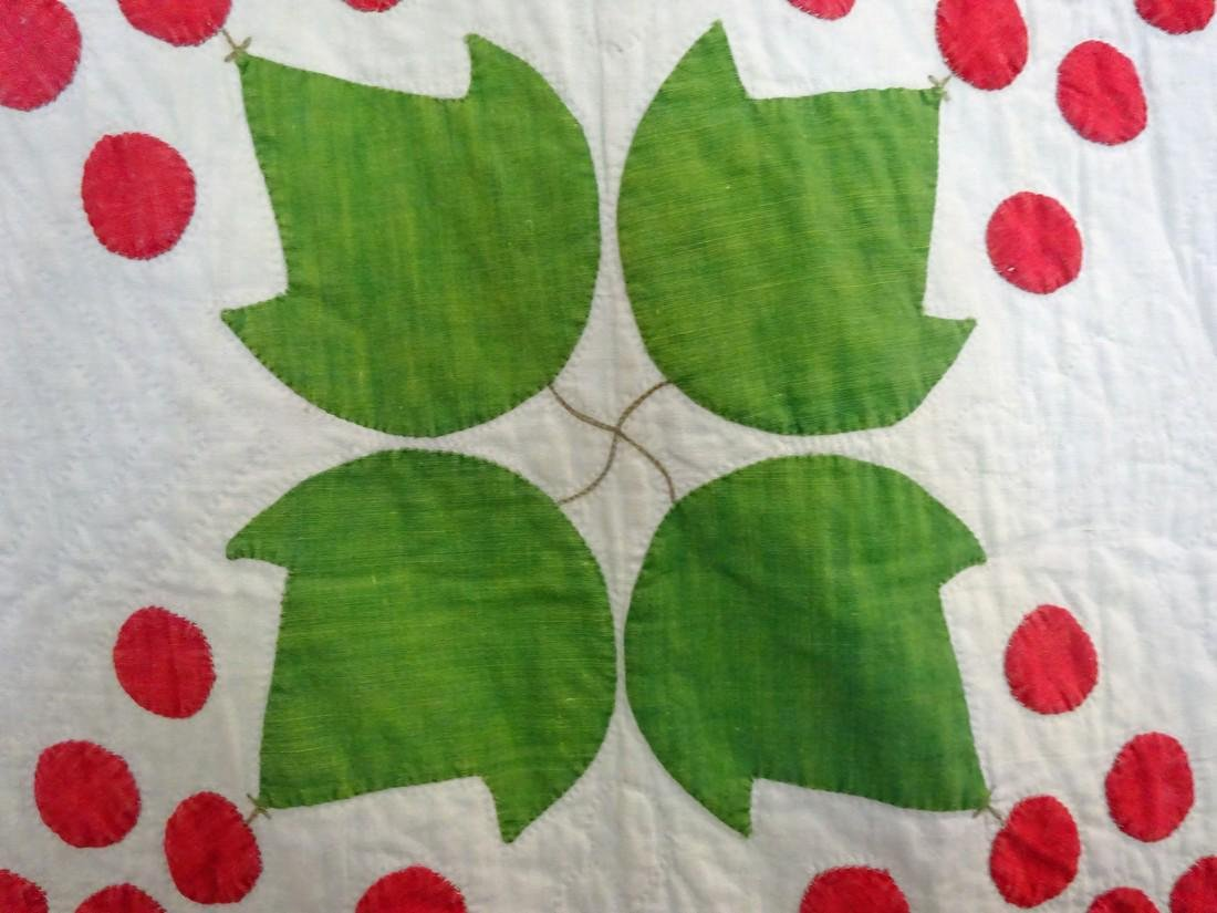 Antique Applique Quilt - Cherries and swags - 8