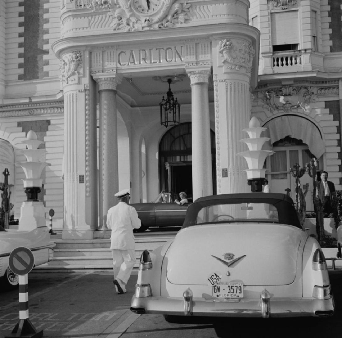 Slim Aarons Photograph the Carlton Hotel