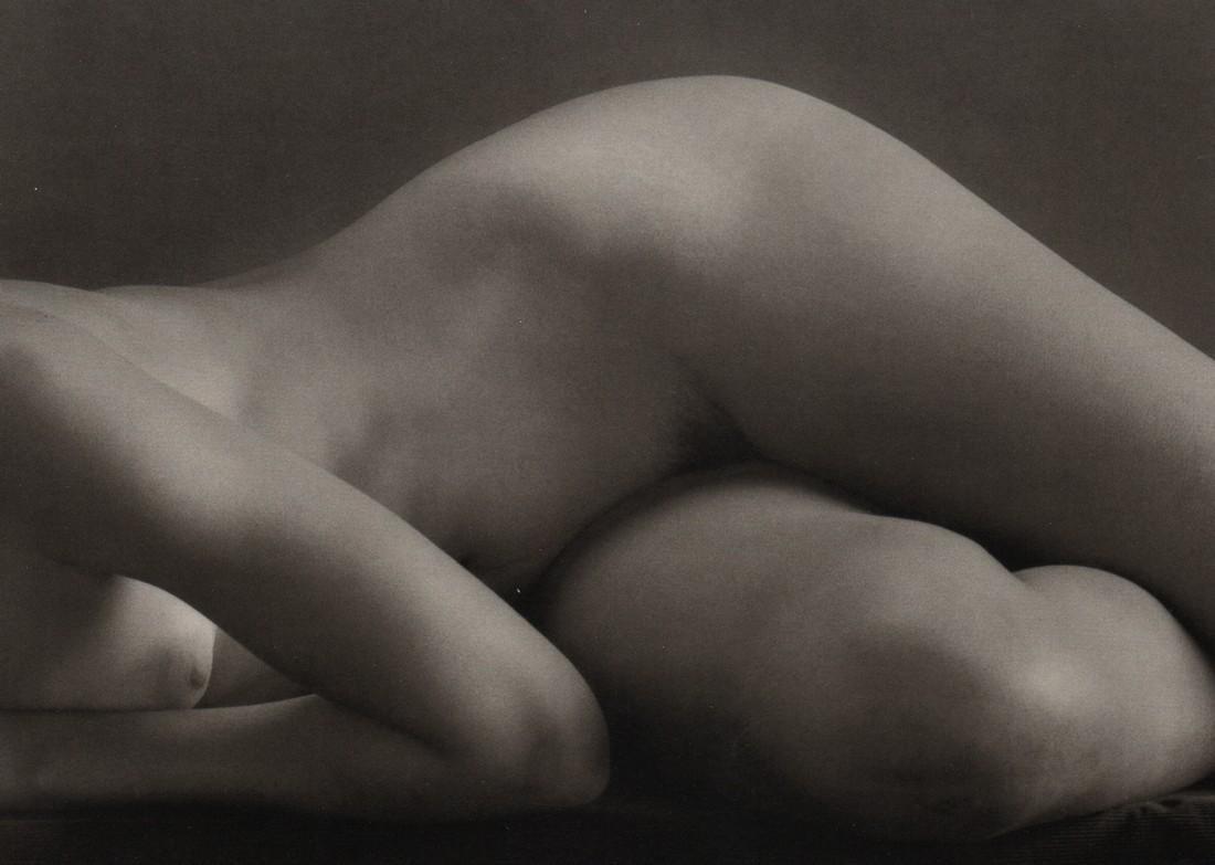 RUTH BERNHARD - Dancers Hips, 1951