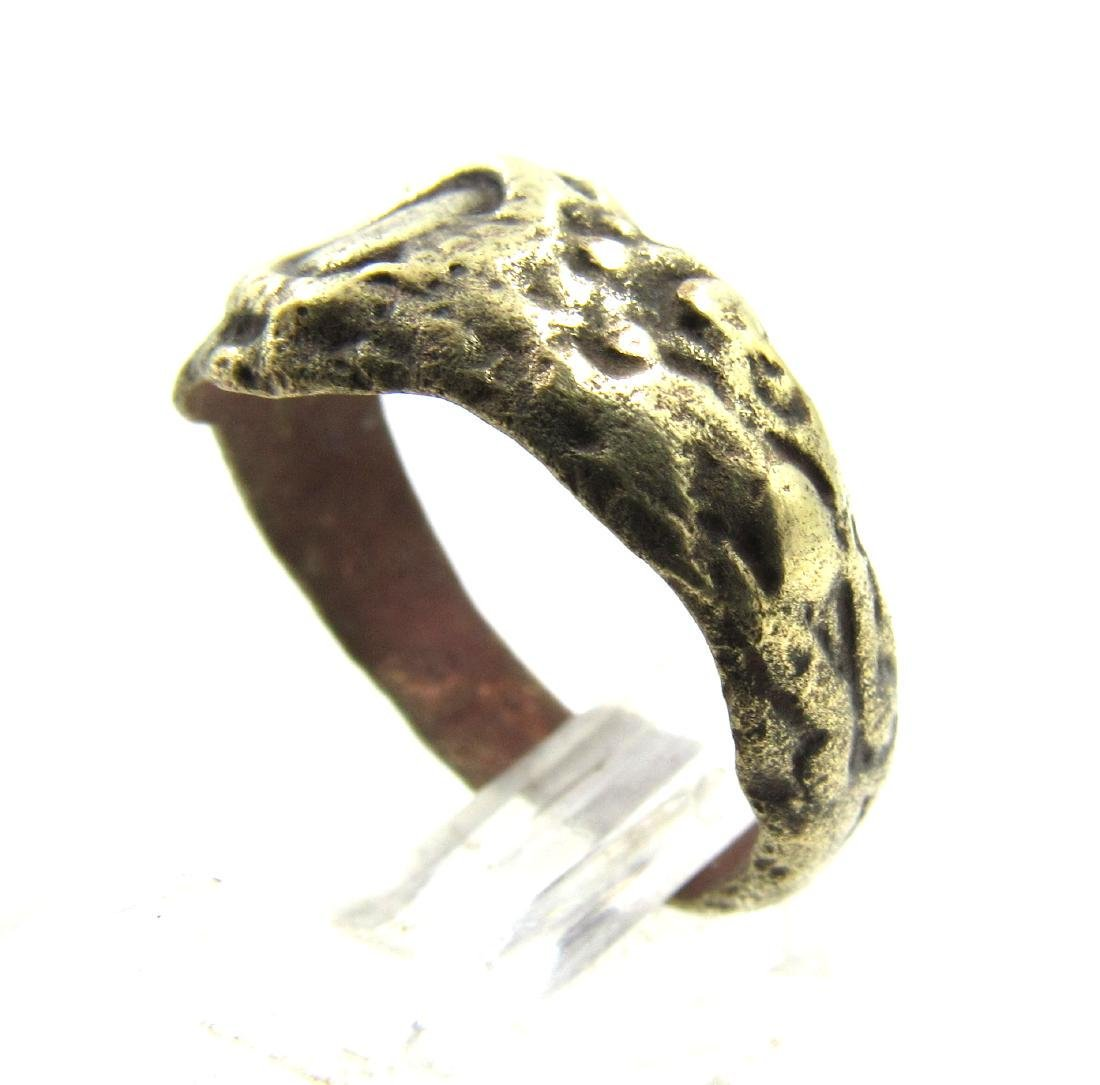Late Medieval Tudor Era Bronze Floral Ring - 2