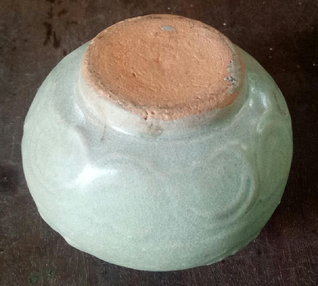 Yuan dynasty celadon small jar - 3