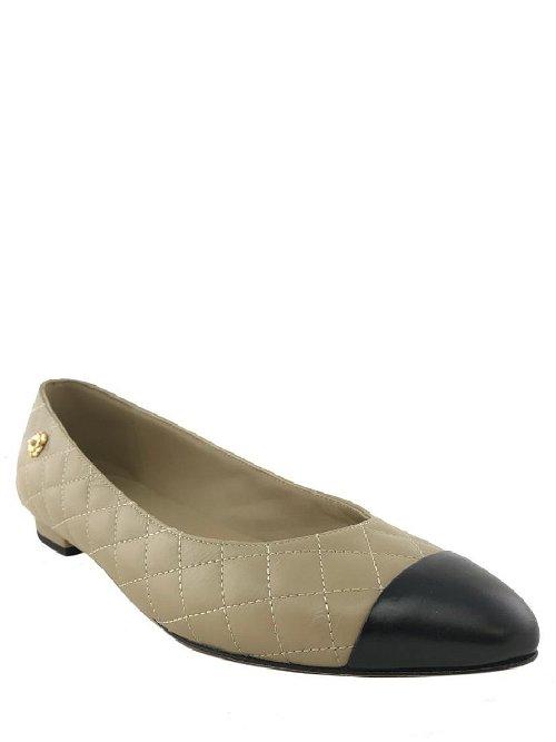 Slippers & Flats