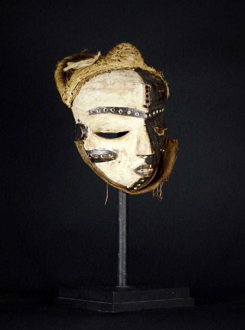 Elegant African Tribal PENDE Mbangu Mask DRC - 8