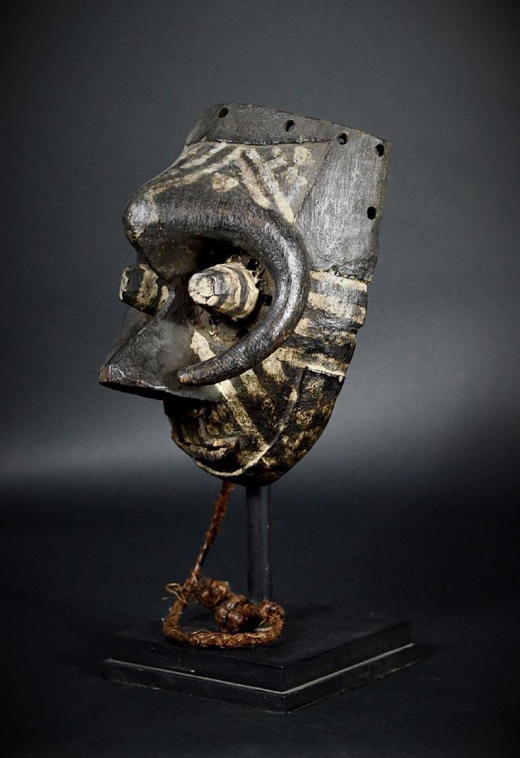 African Tribal KUBA / Ngeende Pwoom Itok Mask - 3