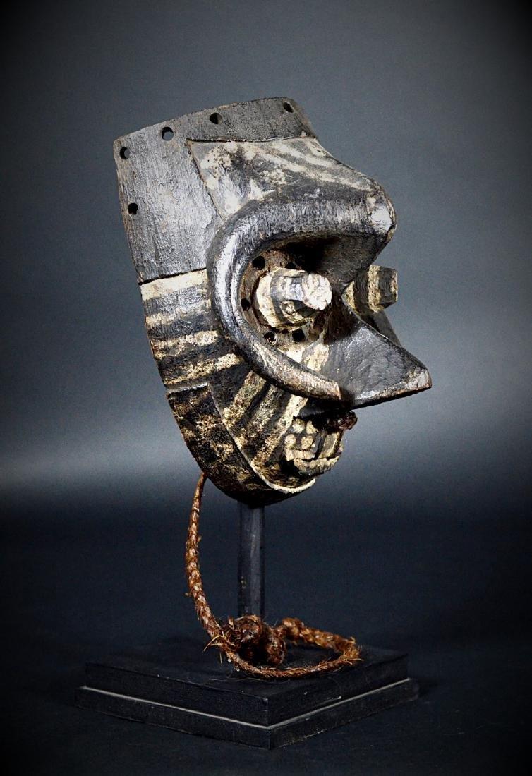 African Tribal KUBA / Ngeende Pwoom Itok Mask - 9