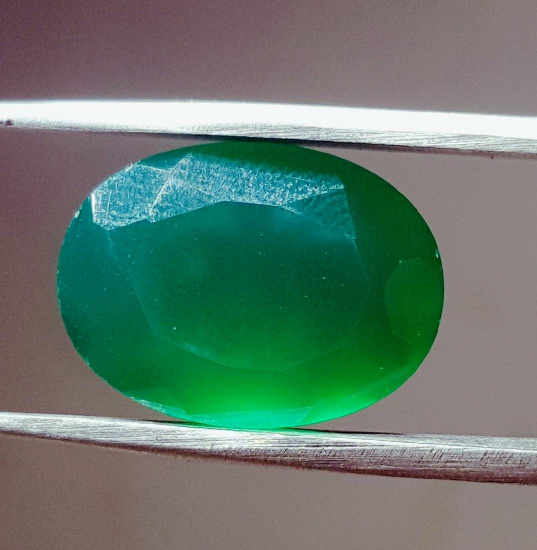8 CARAT TOP QUALITY NATURAL OVAL SHAPE GREEN CHALCEDONY