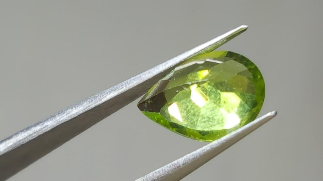 NATURAL PEAR SHAPE PERIDOT - 3