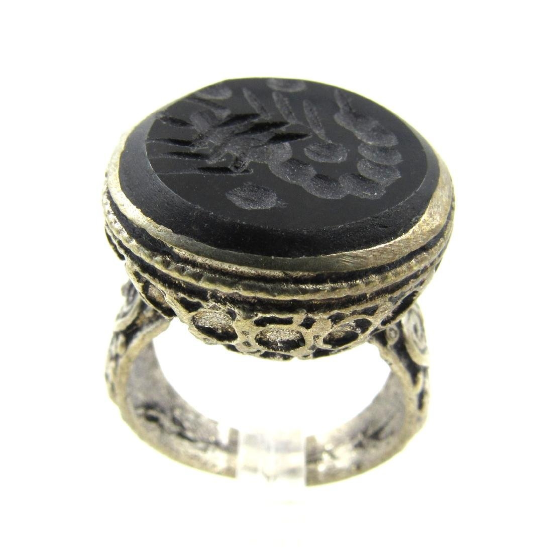 Post Medieval Silver Ring with Scorpion on Intaglio - 2