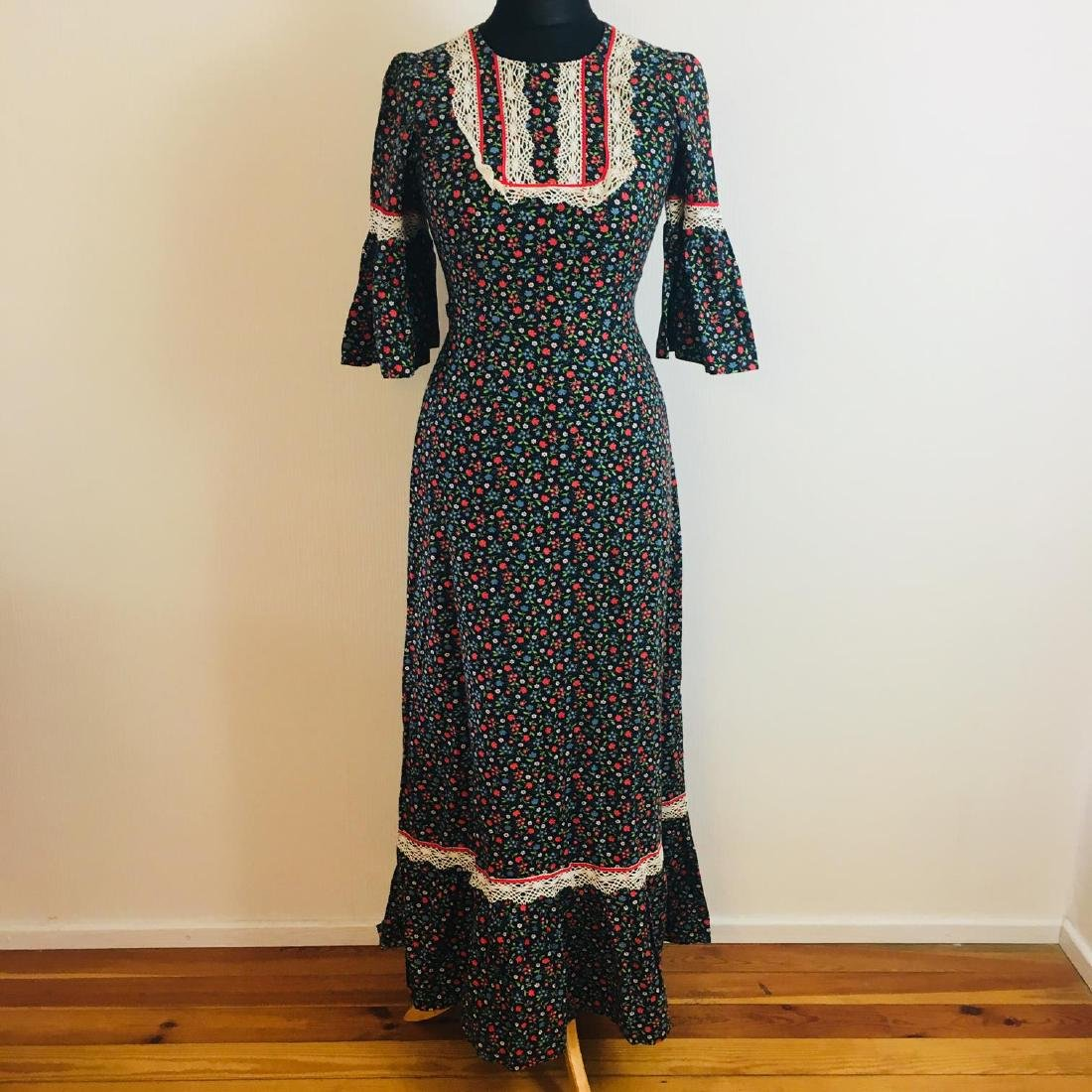 Vintage Women's Tyrolean Style Dress Size EUR 36 US 6