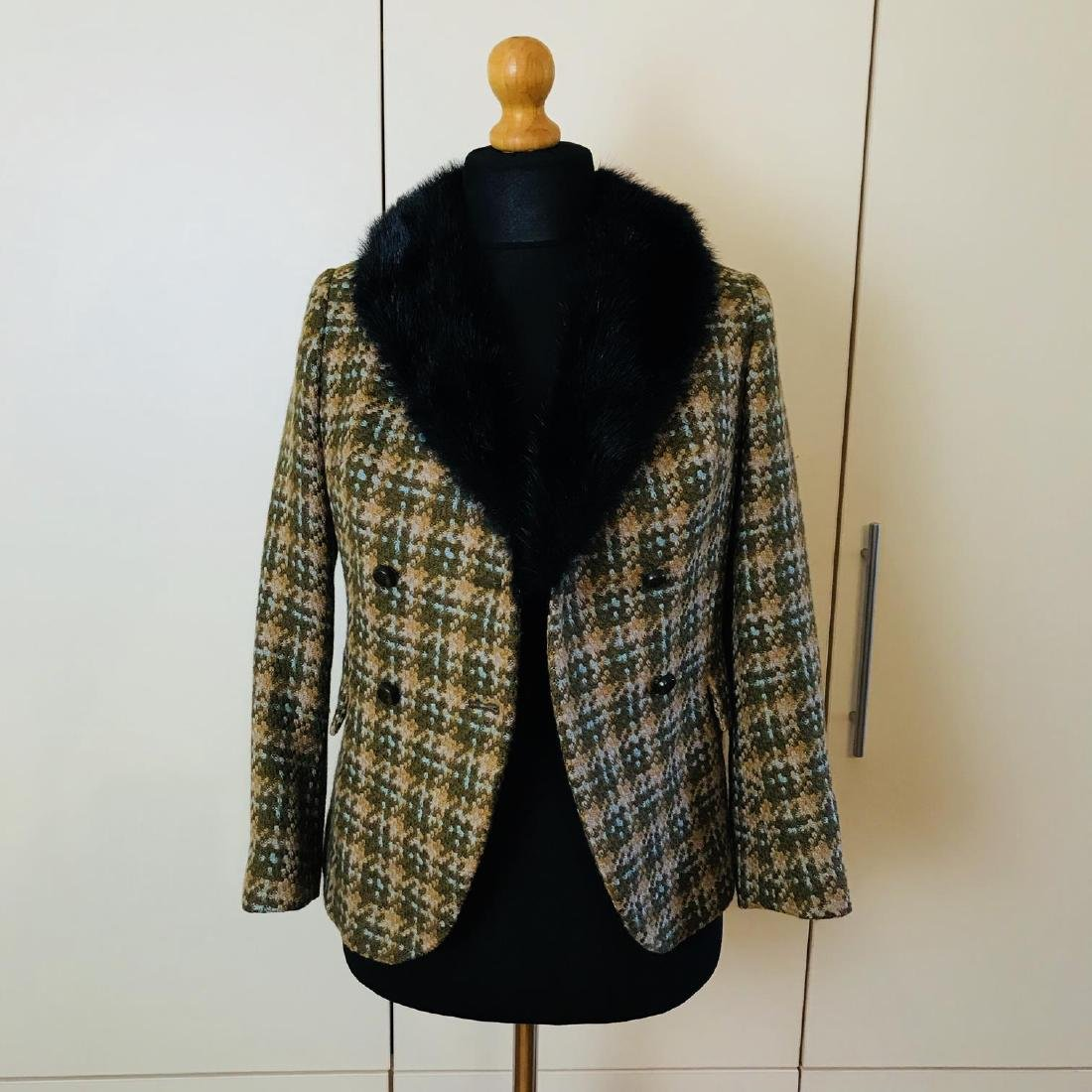 Vintage Women's Designer Jacket Blazer with Real Fur