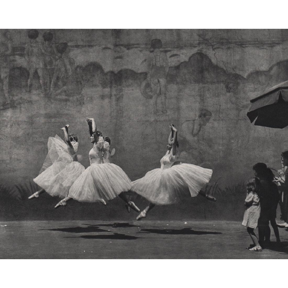 ANDRE KERTESZ - Ballet, New York, 1938