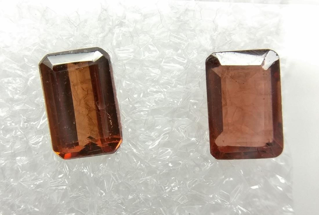 Couple of 2 Pyrope Dark Orangey Red - Dark Brownish Red