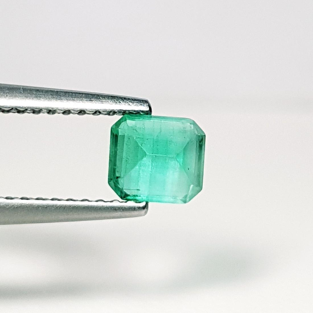 Top Qaulity Emerald Cut NaturalEmerald - 0.63 ct - 3