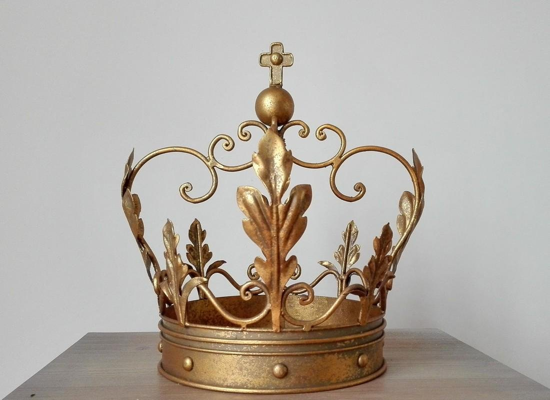 Beautiful decorative crown