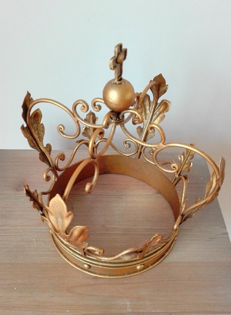 Beautiful decorative crown - 2