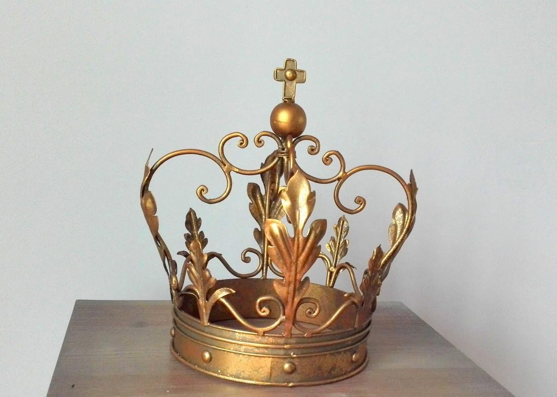 Beautiful decorative crown - 5