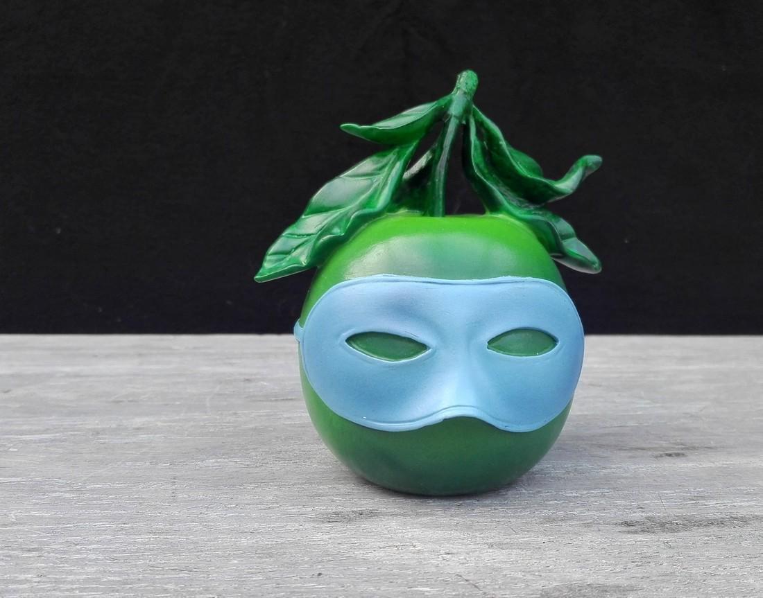 René Magritte - Blindfolded apple - Official