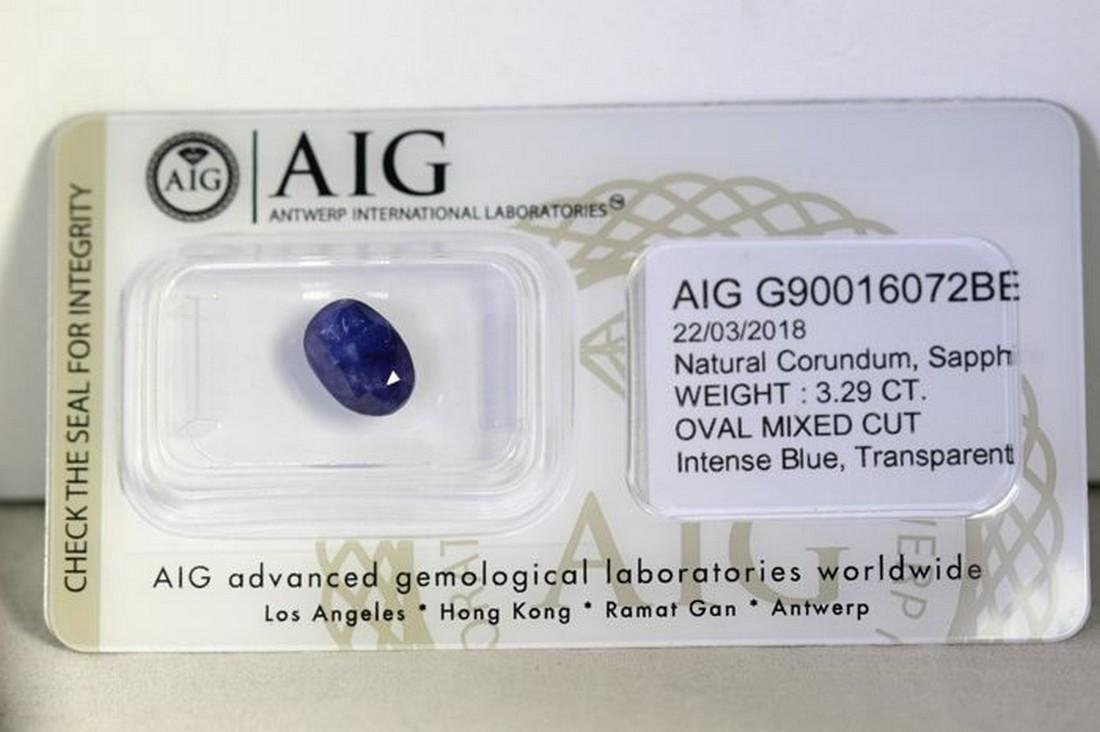 AIG Antwerp - Sapphire - 3.29 ct - Intense Blue - 2