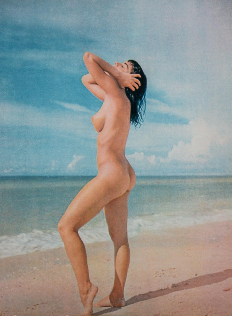 ANDRE DE DIENES - Color Nude on the Beach