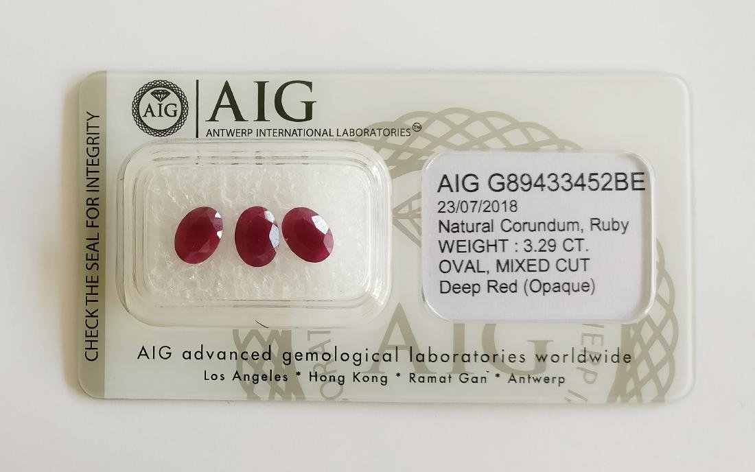 Triple of 3 Ruby's Deep Red 3.29 ct